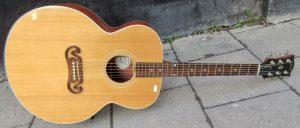 Gibson J200 CS front.
